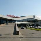 Мужа кыргызской активистки, выступающей против коррупции, задержали в аэропорту Алматы