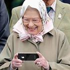 Вакансия дня: Елизавета II ищет SMM-специалиста