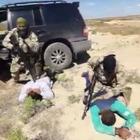 Полицейские на вертолете задержали трех наркоторговцев, выращивающих коноплю в степи