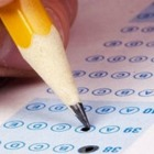 Директора Национального центра тестирования осудили за взятки