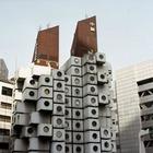 В Токио хотят разобрать капсульную башню