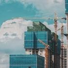 Под угрозой срыва оказались десятки объектов строительства в столице