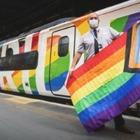 ЛГБТ–поезд появился на железных дорогах Англии