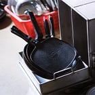 Хотел сделать приятно: Экибастузец воровал сковородки на подарки на 8 марта