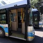 В алматинских автобусах будут объявлять остановки на трех языках