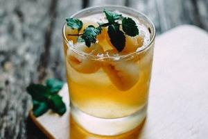 Осталось немного: 5 рецептов холодных напитков для жары