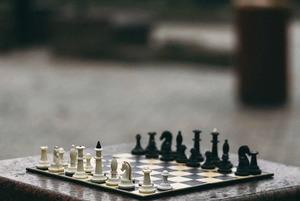 От бара до академии: Где поиграть в шахматы в Алматы
