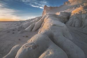 Долина шаров и красные горы: 7 нетипичных мест для отдыха в Казахстане