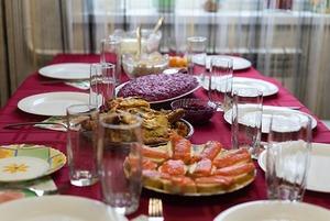 Что ставят на новогодний стол казахстанцы разной этнической принадлежности?