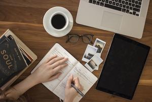 Гранты, стажировки и вакансии в октябре