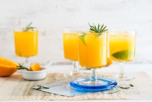 Пока все закрыто: Как сделать простые, но вкусные коктейли дома