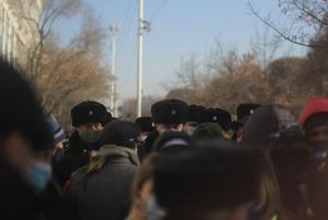 Как прошел мирный митинг 10 января: Снова СОБР, обморожение и провокации