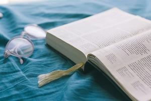 Найти собутыльника из классиков и пробить информационный пузырь: Проводим выходные как книголюбы