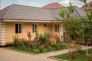 «Это моя крепость»: Жители Алматы, построившие дом за городом