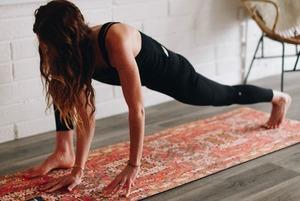Тренируемся дома: Стретчинг, воркаут и йога