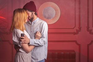 Love is: Влюбленные о своих чувствах друг к другу