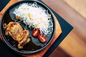 15 рецептов с курицей: Бургер, сациви, пад-тай и паштет