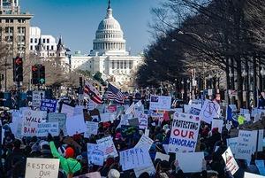 Штурм Капитолия в США: Как и почему это произошло