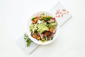 Семь рецептов салатов: Марокканский, с лососем и с муссом из феты
