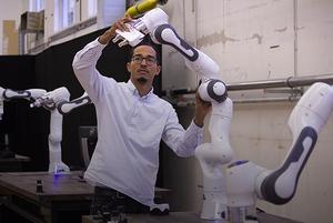 Я разрабатываю роботов-физиотерапевтов в Мюнхене