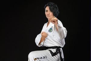 «Я пришла в спорт избежать инвалидности»: 47-летняя чемпионка мира о победах над другими и собой