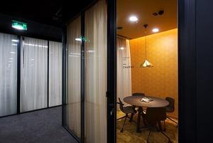 В каких офисах работают казахстанцы: IT-корпорации, банки и нефтяной гигант