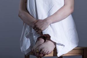 «Орташа ауыр емес»: Қазақстандағы адам зорлау оқиғалары және оларға қатысты үкімдер