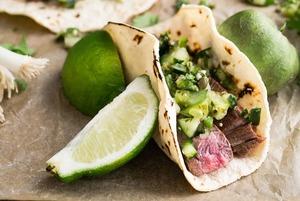 Мексиканская кухня: Где есть кесадилью, начос, тако и буррито в Алматы