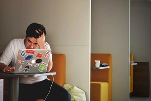 Манипуляции на работе: Как их распознать и не поддаваться