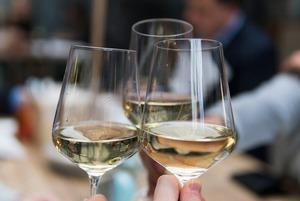 Где пить вино в Астане?